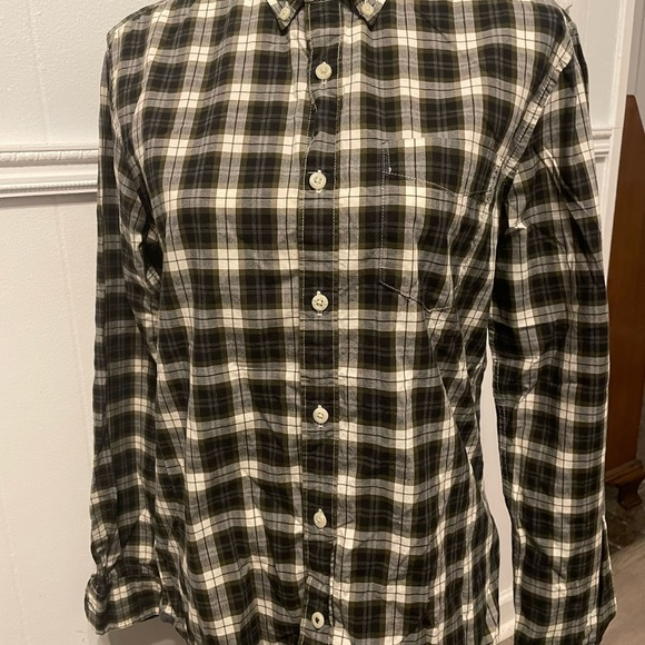 American Eagle long sleeve button down